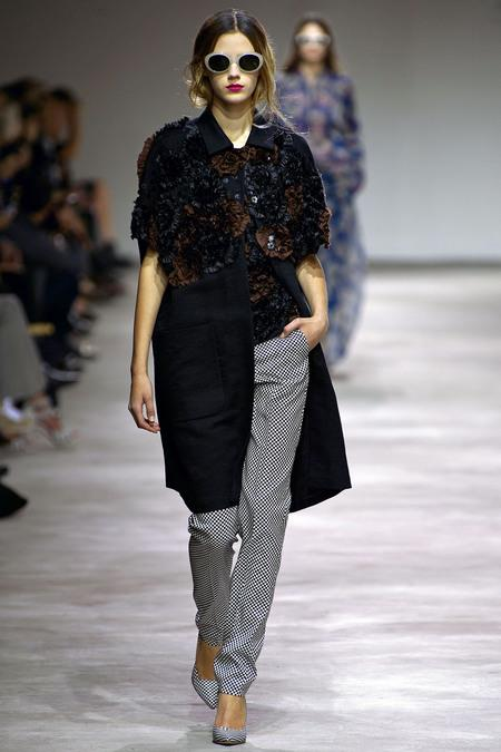 images/cast/10151029985447035=Spring 2013 COLOUR'S COMPANY fabrics x=dries van noten paris